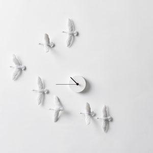 燕子鐘, 燕子時鐘, 良事設計, haoshi, 鳥時鐘, 壁飾時鐘, 白色時鐘, 時鐘, 藝術時鐘, 佈置時鐘, 候鳥時鐘, 燕子時鐘限定版, 金色時鐘, 金箔時鐘, 燕鳥時鐘, 金魚時鐘, 限定版時鐘, 限定款時鐘
