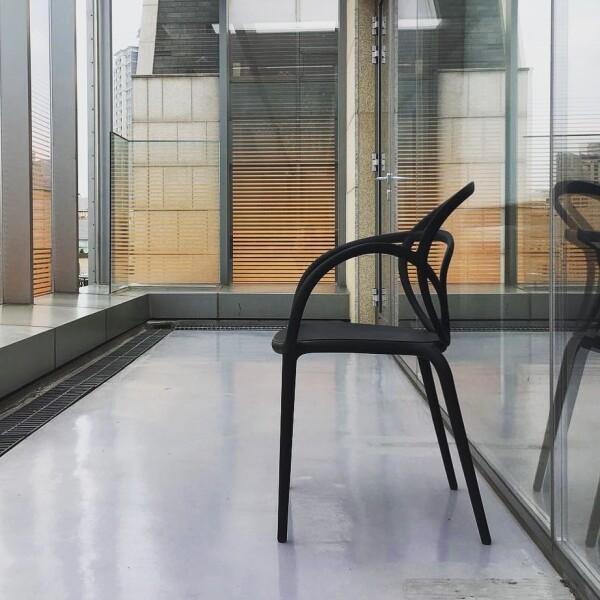 qeeboo, 椅子,義大利品牌,造型椅,藝術裝置,室內設計,空間佈置,傢俱選物,台中,Viithe,樂闊, Qeeboo椅子, 義大利進口椅