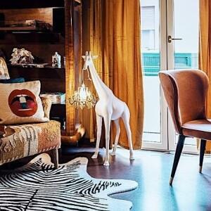 動物燈, 動物燈飾, 造型燈,義大利品牌,造型椅,藝術裝置,室內設計,空間佈置,傢俱選物,台中,Viithe,樂闊, Qeeboo燈, 長頸鹿立燈, 長頸鹿造型燈
