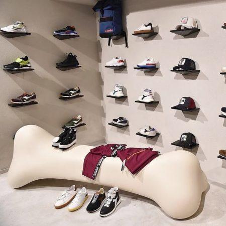 qeeboo, 長凳,骨頭造型,義大利品牌,造型椅,藝術裝置,室內設計,空間佈置,傢俱選物,台中,Viithe,樂闊, Qeeboo椅子, 義大利進口椅